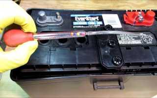 Сколько должно быть электролита в банках аккумулятора