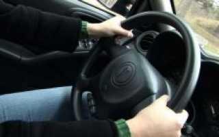 Почему руль тянет влево или вправо основные причины